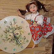 """Для дома и интерьера ручной работы. Ярмарка Мастеров - ручная работа Часы с куклой """"Мы всегда Вам рады"""".. Handmade."""
