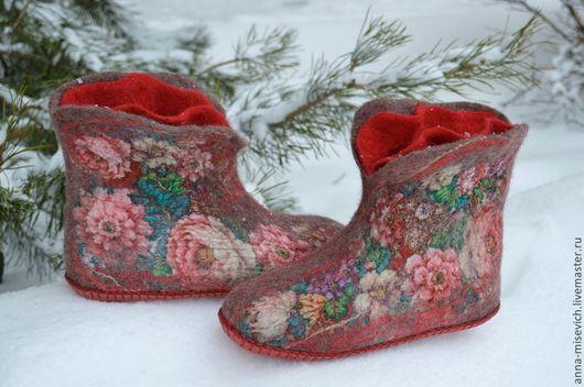"""Обувь ручной работы. Ярмарка Мастеров - ручная работа. Купить Чуни """"Именинница"""". Handmade. Бордовый, тапки валяные, тапочки валяные"""