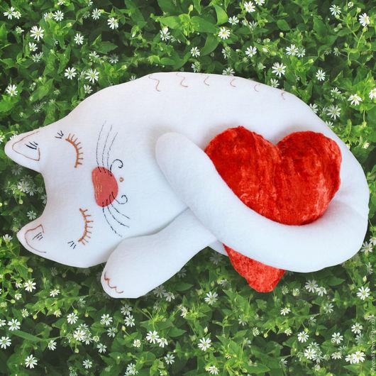"""Текстиль, ковры ручной работы. Ярмарка Мастеров - ручная работа. Купить Подушка """"Кошка Соня"""". Handmade. Белый, подушка, флис"""