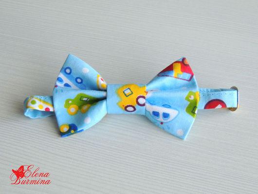 Галстуки, бабочки ручной работы. Ярмарка Мастеров - ручная работа. Купить Бабочка галстук детская с машинками, хлопок. Handmade. Голубой