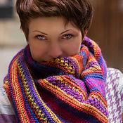 Аксессуары ручной работы. Ярмарка Мастеров - ручная работа Яркая Африка треугольная шаль спицами. Handmade.
