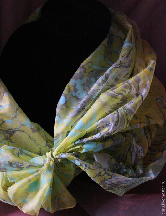 """Шали, палантины ручной работы. Ярмарка Мастеров - ручная работа. Купить """"Холодное солнце  в эбру на шелке"""", платок с риснками на воде.. Handmade."""
