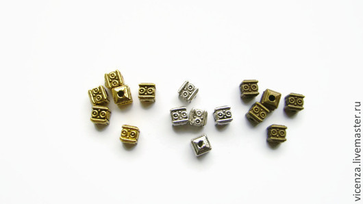 Бусина кубик\r\nЦвет: античное серебро, античное золото, античная бронза.