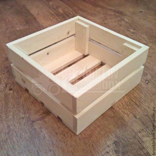 Деревянный сувенирный ящик подходит для упаковки подарка, а также является дальнейшим материалом для творчества