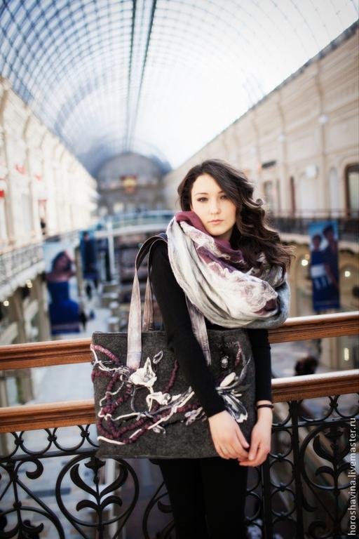 """Женские сумки ручной работы. Ярмарка Мастеров - ручная работа. Купить """"Сова"""" большая сумка на молнии и палантин валяный комплект. Handmade."""