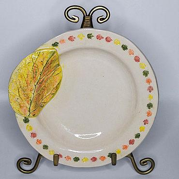 """Посуда ручной работы. Ярмарка Мастеров - ручная работа Керамическая тарелка """"Золотая осень"""". Handmade."""