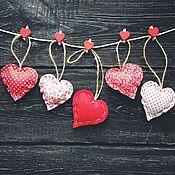 Подарки к праздникам ручной работы. Ярмарка Мастеров - ручная работа Текстильные сердечки. Handmade.