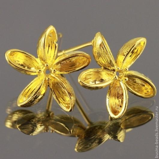 Пуссеты в форме цветка для сборки сережек гвоздиков из латуни с покрытием под золото с петелькой для крепления подвески