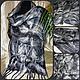 Палантин `Астра`  - нежный , невесомый и просто уютный, выполнен из тонкого мериноса и декорирован натуральными волокнами шёлка и вискозы, неповторимый нарядный рисунок. Цветовую гамму можно выбрать п