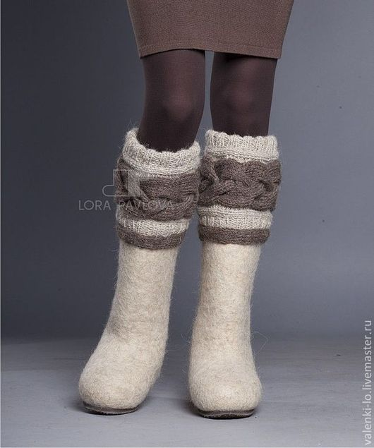 """Обувь ручной работы. Ярмарка Мастеров - ручная работа. Купить """"Classic"""" светлые с коричневой косой. Handmade. Бежевый, валенки для улицы"""