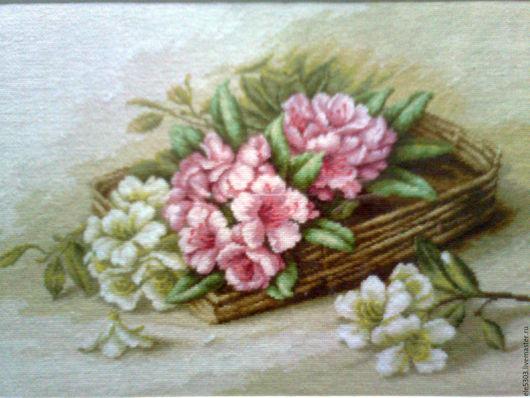 Картины цветов ручной работы. Ярмарка Мастеров - ручная работа. Купить Азалии в корзине. Handmade. Комбинированный, вышивка гобеленовым швом