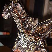 Сувениры и подарки ручной работы. Ярмарка Мастеров - ручная работа Дракон на бутылке. Handmade.