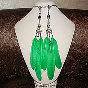 Украшения ручной работы. Ярмарка Мастеров - ручная работа Клипсы, серьги с зелеными перьями винтажные Мелэйна. Handmade.