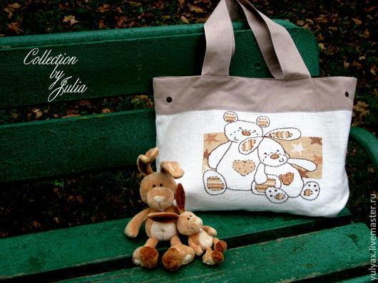 """Женские сумки ручной работы. Ярмарка Мастеров - ручная работа. Купить Вышитая сумка """"Плюшевые игрушки"""". Handmade. Белый"""