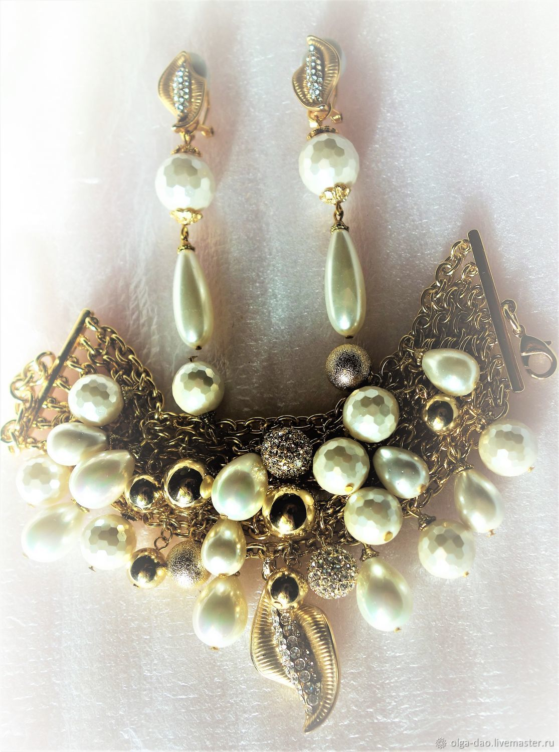 Chanel				Gold set with pearls handmade. Fair Masters - handmade. Buy a Bracelet and earrings with Majorca pearls and gold.585 Handmade.