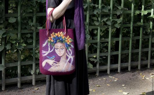 """Женские сумки ручной работы. Ярмарка Мастеров - ручная работа. Купить Валяная сумка """"Виолетта"""". Handmade. Бордовый, войлочная сумка"""