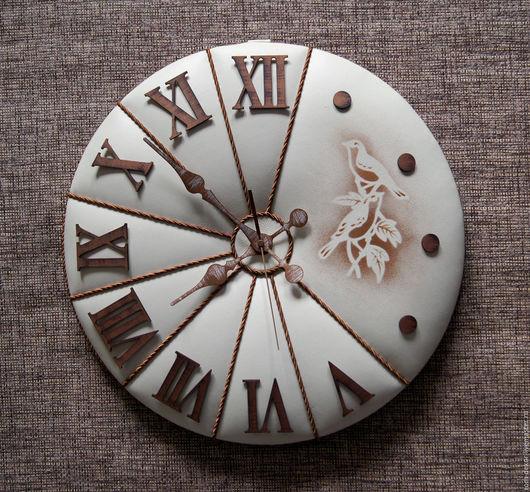 """Часы для дома ручной работы. Ярмарка Мастеров - ручная работа. Купить Часы 45 см, натур. кожа. """"Флорентийские голуби"""". Handmade."""