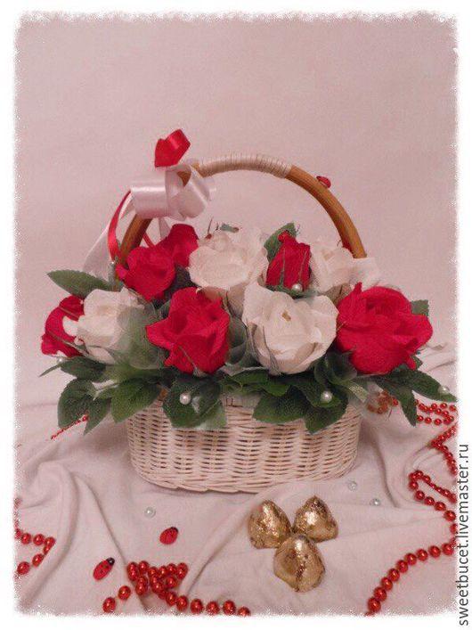 """Букеты ручной работы. Ярмарка Мастеров - ручная работа. Купить Букет из Конфет """"Для любимой мамы"""". Handmade. Ярко-красный"""