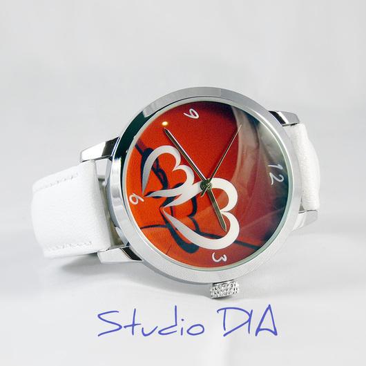 Оригинальные Дизайнерские Наручные Часы Сердечки. Студия Дизайнерских Часов DIA.