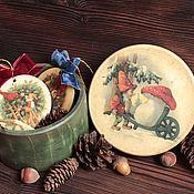 """Подарки к праздникам ручной работы. Ярмарка Мастеров - ручная работа Шкатулка с елочными подвесками """"Гномы"""". Handmade."""