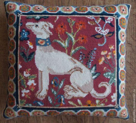 """Текстиль, ковры ручной работы. Ярмарка Мастеров - ручная работа. Купить Подушки """"Средневековая собака"""" и """"Средневековый кролик"""". Handmade. Бордовый"""