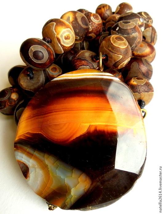 Колье из натуральных камней Северное сияние. Работа из коллекции ,,Суровый север,,. Колье с крупными тибетскими бусинами и кулоном уникальной расцветки. Мастер Натэлла Шемякина.