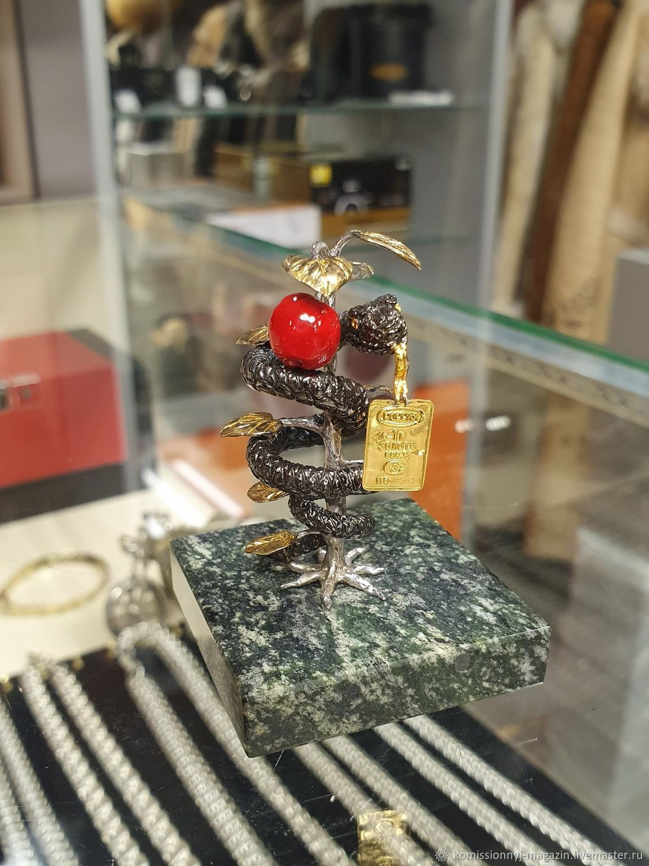 Статуэтка из серебра с золотым слитком, Статуэтки, Екатеринбург,  Фото №1