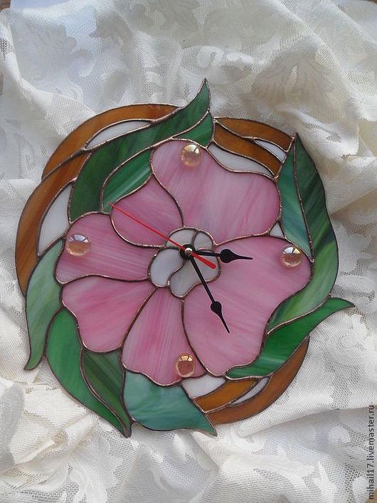 """Часы для дома ручной работы. Ярмарка Мастеров - ручная работа. Купить Часы в технике тиффани """"Цветок"""". Handmade. Розовый"""