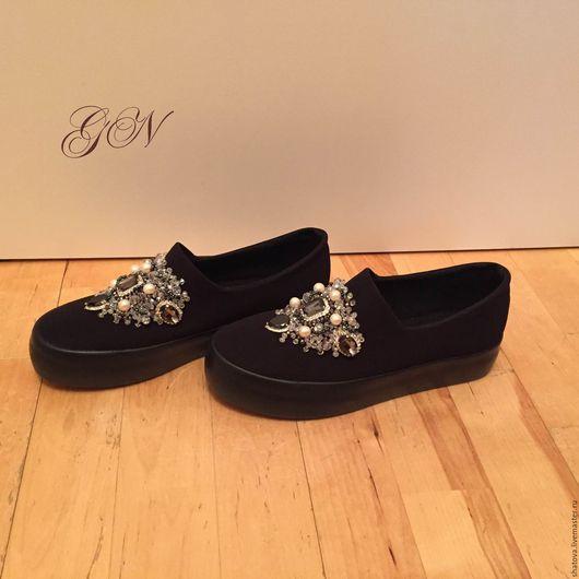 """Обувь ручной работы. Ярмарка Мастеров - ручная работа. Купить Слипоны со стразами """"Бриджит"""" черные. Handmade. Черный"""