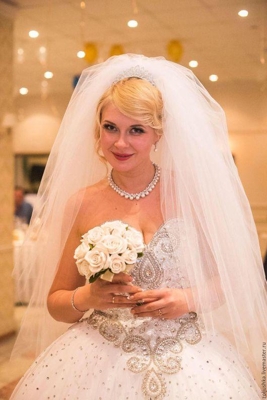 Свадебные цветы ручной работы. Ярмарка Мастеров - ручная работа. Купить Свадебный букет - дублер из белых роз.. Handmade. Белый