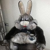 Для дома и интерьера ручной работы. Ярмарка Мастеров - ручная работа меховая лежанка игрушка -кресло Заяц. Handmade.