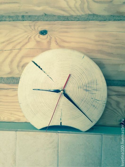 """Часы для дома ручной работы. Ярмарка Мастеров - ручная работа. Купить Часы """"Спил"""". Handmade. Бежевый, сосна, подарок, дерево"""