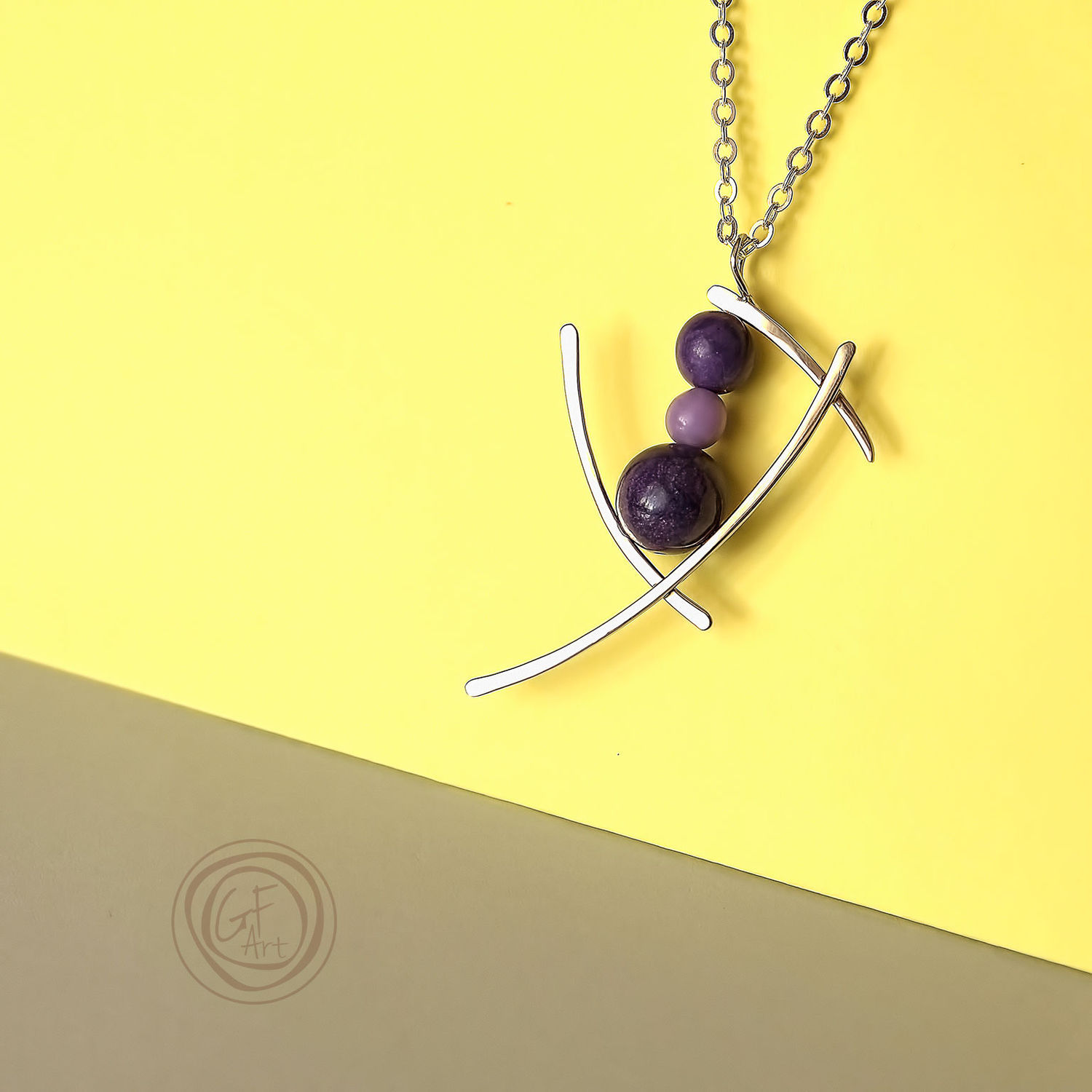 Buy Metal wire work necklace pendant. Elegant gift for her ...