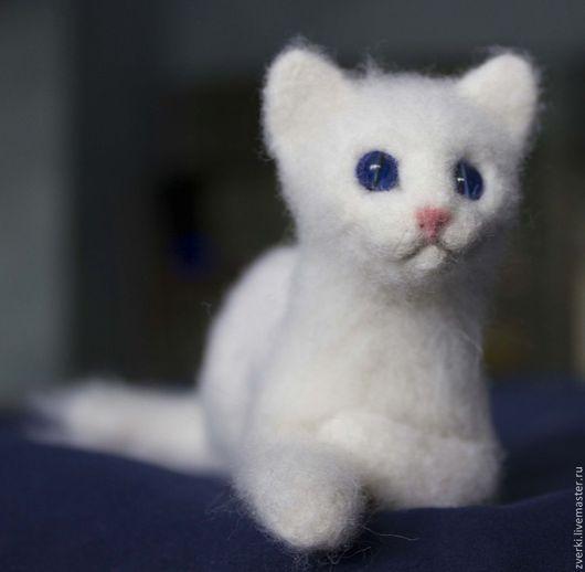 Игрушки животные, ручной работы. Ярмарка Мастеров - ручная работа. Купить Белый котёнок. Handmade. Белый, войлочная игрушка