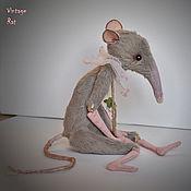 """Куклы и игрушки ручной работы. Ярмарка Мастеров - ручная работа Мягкая игрушка Крыса """"Серый ангел"""". Handmade."""