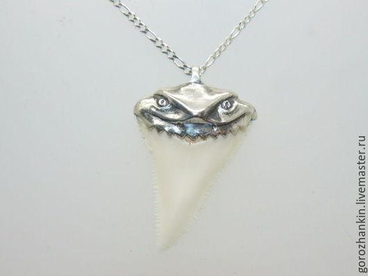 Зуб белой акулы длиной 5 см (коллекционный) Ручная работа