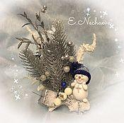 """Подарки к праздникам ручной работы. Ярмарка Мастеров - ручная работа Новогодняя композиция """"Подарок для Снеговика"""" новогодний декор. Handmade."""
