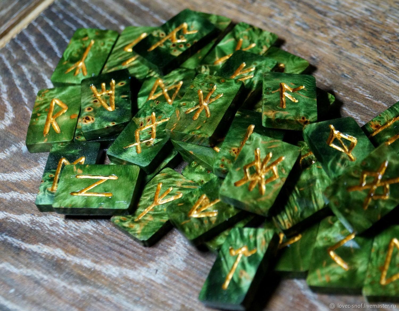 """Гадания ручной работы. Ярмарка Мастеров - ручная работа. Купить """"Руны Лесной Ведьмы"""" (кап клена). Handmade. Зеленый"""