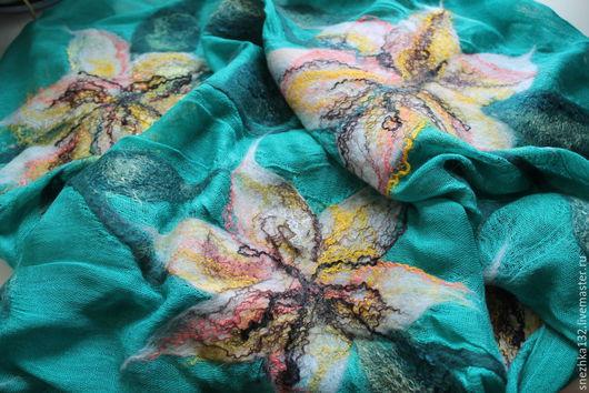 """Шали, палантины ручной работы. Ярмарка Мастеров - ручная работа. Купить Палантин валяный """"Лилии цветут"""". Handmade. Палантин, зеленый"""