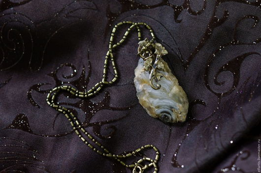 """Кулоны, подвески ручной работы. Ярмарка Мастеров - ручная работа. Купить Кулон из агата """"Эльфийский плющ"""". Handmade. Бежевый"""