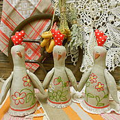 """Куклы и игрушки ручной работы. Ярмарка Мастеров - ручная работа Курочка ли петушок. Интерьерная декоративна в стиле """"тильда"""" (вышитые). Handmade."""