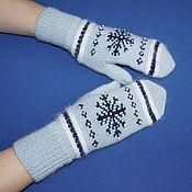 Аксессуары handmade. Livemaster - original item Gray-blue mittens with embroidered snowflakes.. Handmade.