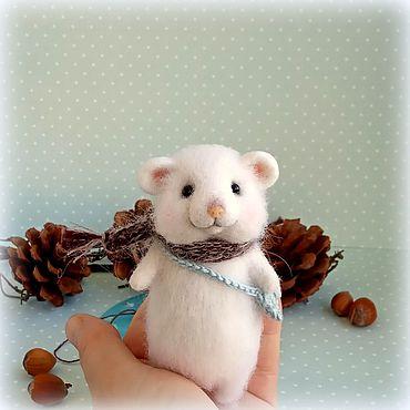 """Куклы и игрушки ручной работы. Ярмарка Мастеров - ручная работа """"Однажды в студеную зимнюю пору""""Мышка,мышь из шерсти. Handmade."""