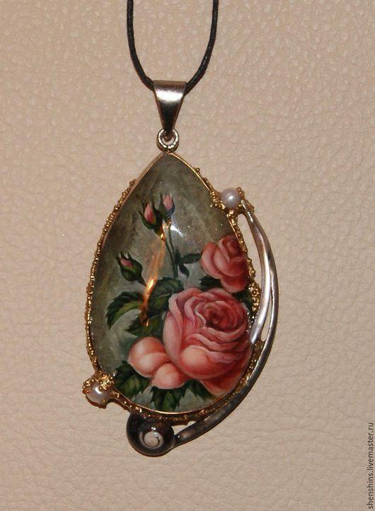 """Кулоны, подвески ручной работы. Ярмарка Мастеров - ручная работа. Купить Кулон """"Розы"""". Handmade. Комбинированный, подарок женщине, роза"""
