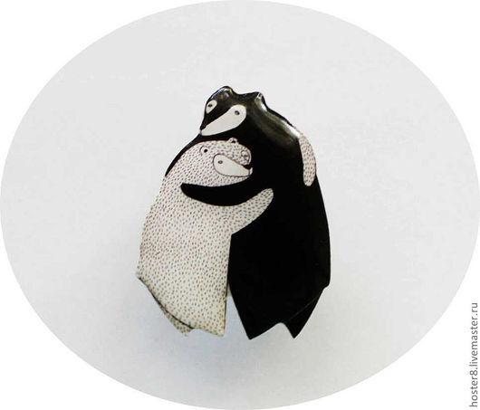 """Броши ручной работы. Ярмарка Мастеров - ручная работа. Купить Брошь """"Влюбленные мишки""""  (0053). Handmade. Чёрно-белый, белый"""