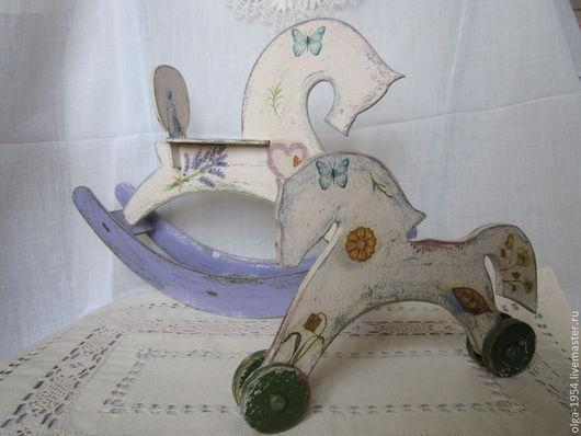 Игрушки животные, ручной работы. Ярмарка Мастеров - ручная работа. Купить Деревянные лошадки. Handmade. Бежевый, ретро, старина, семья