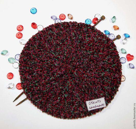 Вязаный женский берет (объемная шапка) с контрастным ободком выполнен из сочетания двух видов пряжи - шерсть 100% (ободок)  и меринос с полиамидом (на нить полиамида `нанизана` шерсть мериноса).