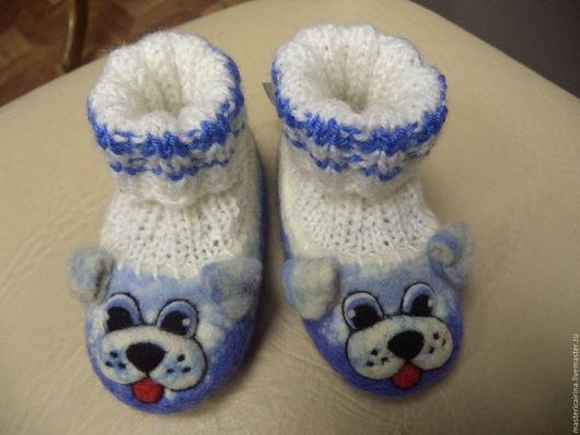 """Обувь ручной работы. Ярмарка Мастеров - ручная работа. Купить Валяные детские тапочки """"Собачки"""". Handmade. Детская валяная обувь"""