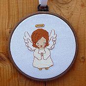 """Картины и панно ручной работы. Ярмарка Мастеров - ручная работа Вышитая картина """"Молящийся ангелочек"""". Handmade."""