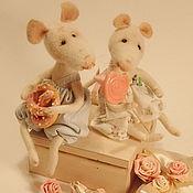 """Куклы и игрушки ручной работы. Ярмарка Мастеров - ручная работа Мышки """"Сладкая парочка"""",коллекционная войлочная игрушка в подарок.. Handmade."""